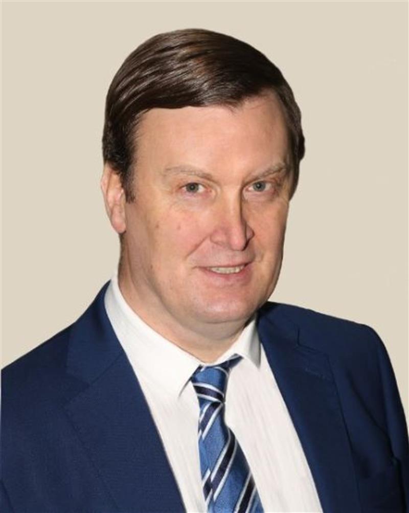 Dr. Iain Wickham